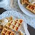 Carrot Cake Waffeln mit Frischkäse Topping {eine gesundes Frühstücks Idee }