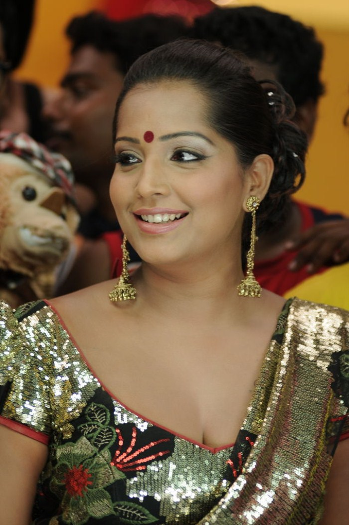 Pictures And Wallpapers: tamil actress meghna naidu ...