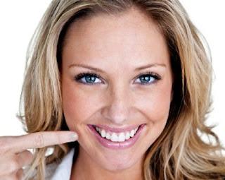 5 Cara Ampuh Membuat Gigi Terlihat Putih