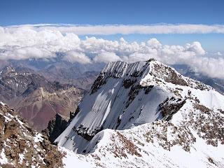 gunung-jaya-wijaya