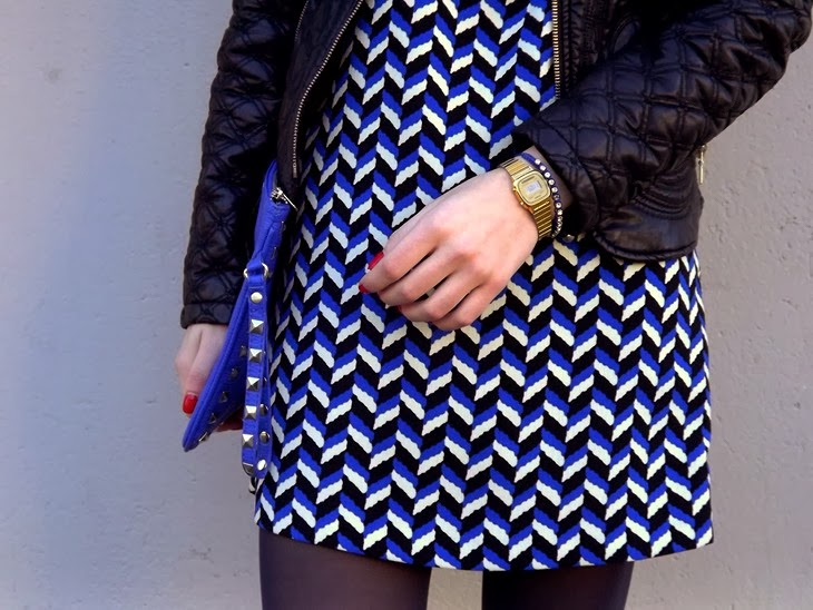 Zara Geometric Pattern Dress 13 Zara Black Leather Baroque Jacket Superga for the Blonde Salad Flatform Sneackers Casio Mini Gold Vintage Watch H&M Eye Earrings Nude Lipstick Essence 07 Natural Beauty