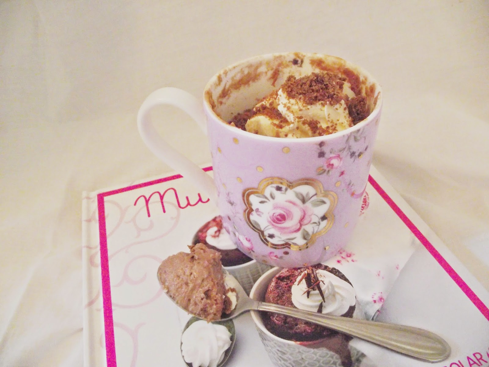 cake in a mug, quick and easy baking, chocolate cheesecake