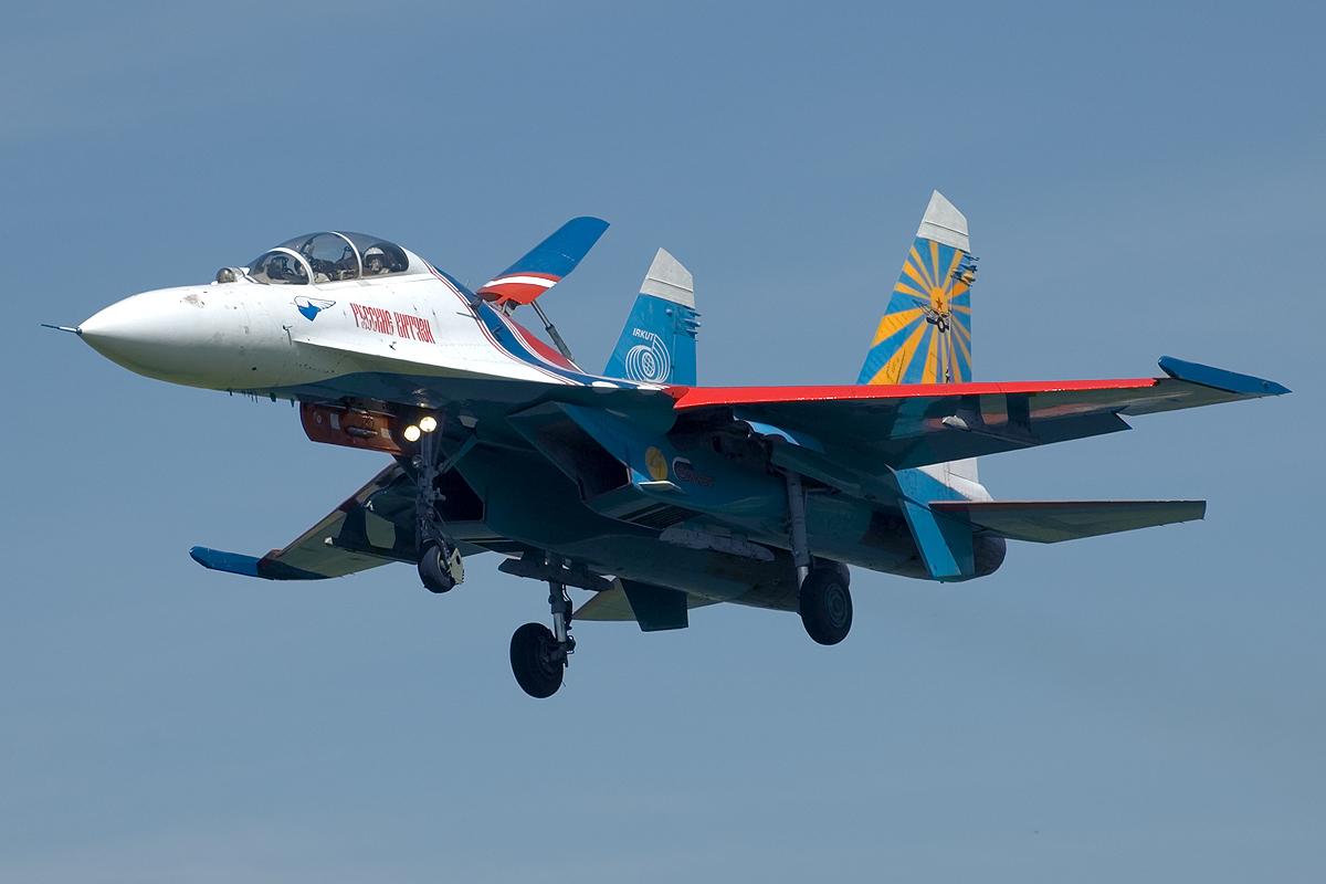 http://4.bp.blogspot.com/-Xw476ZgScwg/TbGg9yWeVvI/AAAAAAAAG08/D0UjkZsvh1s/s1600/Sukhoi+Su-27+Wallpapers+by+free+wallpapers.jpg