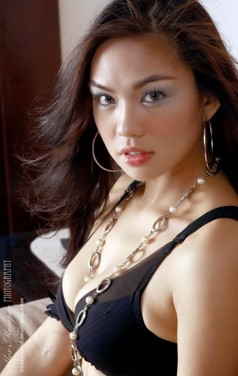 jahziel manabat hot black bikini pics 02