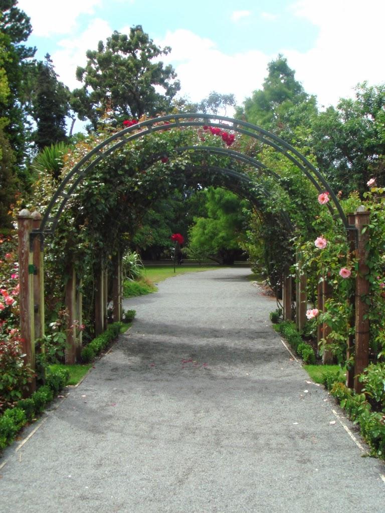 Trucos para tus rosales for Arcos para jardin