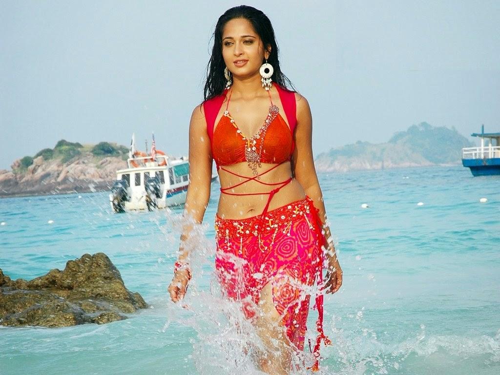 Anushka shetty bikini photo wallpaper