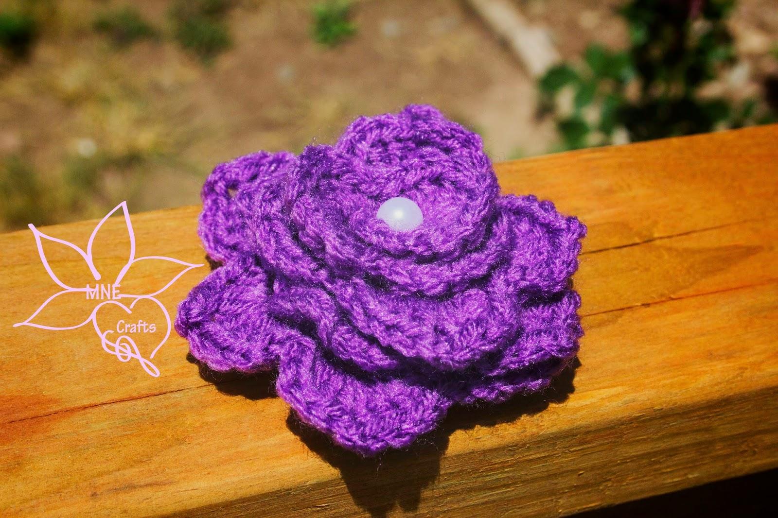MNE Crafts: Random Pattern Find - Crocodile Stitch Flower
