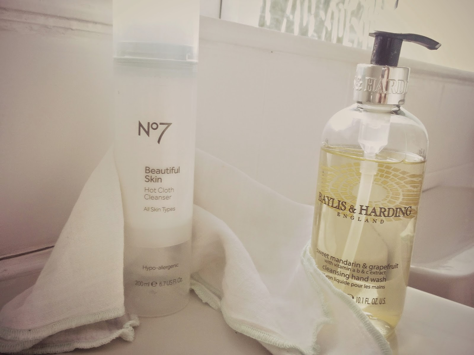 No7 Beautiful Skin Hot Cloth Cleanser Review