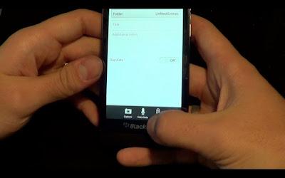 Cambio del brillo de la pantalla de tu dispositivo BlackBerry 10 no sólo puede ayudar a tus ojos, sino también a la batería. Dependiendo de tus necesidades, reduciendo el brillo de la pantalla se puede obtener que te dure un poco más la batería. Esta guía nos llega por parte de los amigos de CrackBerry donde nos muestran como realizarlo. Hay muchas personas incluyéndome que utilizamos el 10 %-20% del brillo de la pantalla para obtener un poco más de la duración en la batería. Cómo cambiar el brillo de la pantalla en BlackBerry 10 Toque en el icono configuración