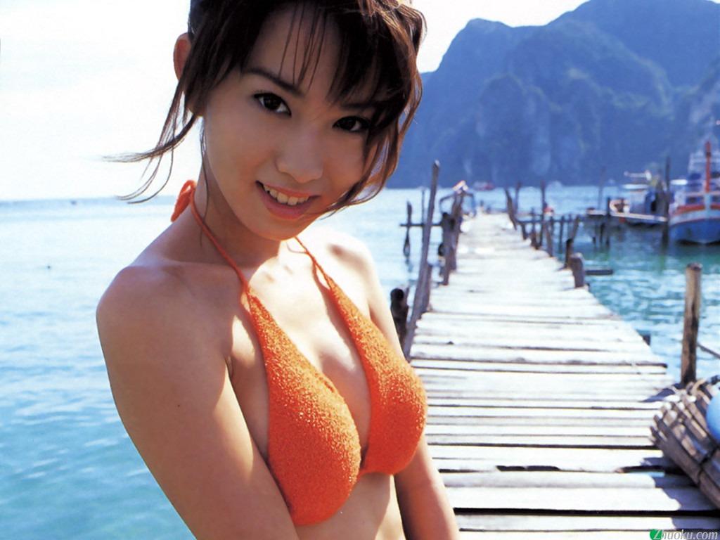 http://4.bp.blogspot.com/-Xw_BV6aT6Y0/Tbjl4k8snFI/AAAAAAAABaE/DVf-PO0KopA/s1600/Yui+Ichikawa+wallpapers+%25284%2529.jpg