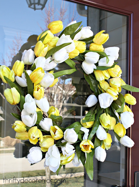 How to make your own tulip wreath