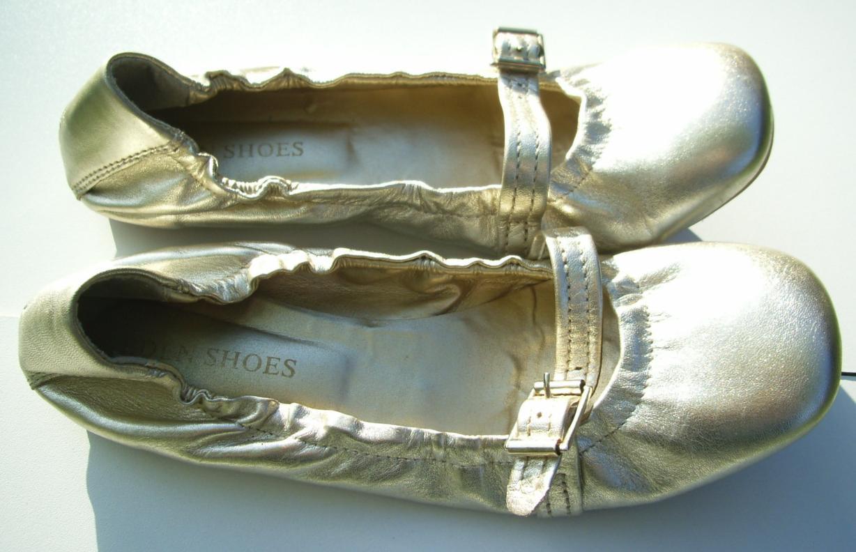 marque pas cher dans vide dressing de Flora : EDEN SHOES - Ballerines dorées - P38 - NEUVES