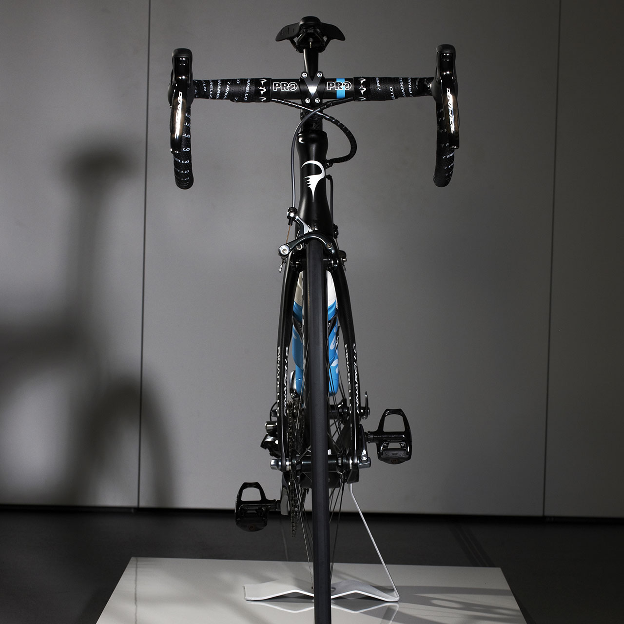 Jaguar, Team Sky and Pinarello - Tour de France racing bike front