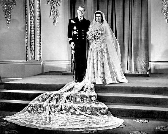queen elizabeth wedding gown. queen elizabeth wedding