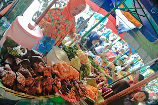Penjual makanan di sekitar Pasar Beringharjo