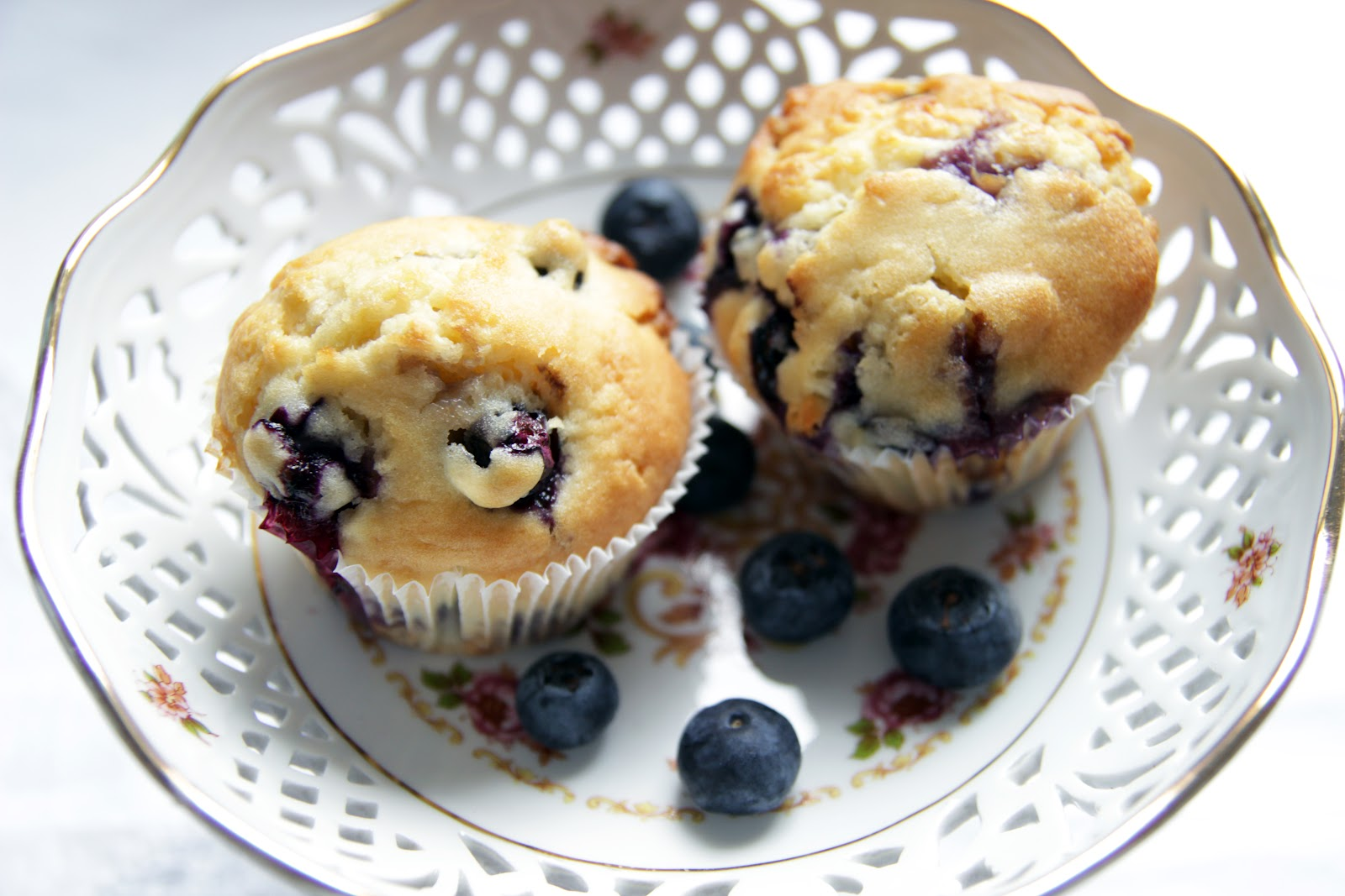 piepmatz rezept blaubeer muffins mit wei er schokolade. Black Bedroom Furniture Sets. Home Design Ideas