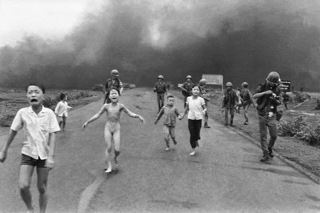 The Story Behind 8 Famous Photographs - Huynh Cong Nick Ut - Napalm Girl, 1972