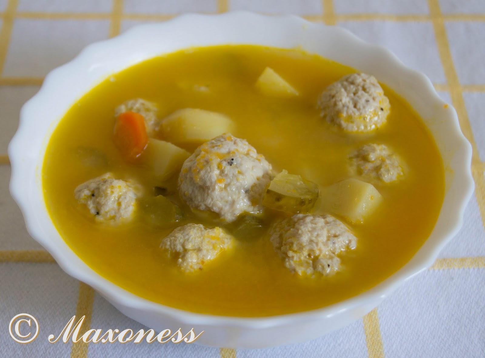 Суп с фрикадельками из индейки и солеными огурцами