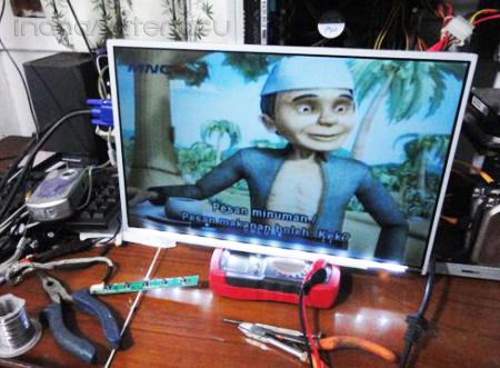 Hasil LCD Laptop Diubah Menjadi LCD Monitor
