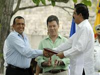 Lobo y Zelaya firman acuerdo de reconciliacion