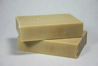 UTE-自然工作坊: 手工肥皂 - 回收油家事皂