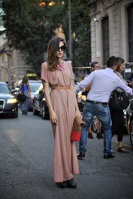 http://4.bp.blogspot.com/-XxzEyuh9W6M/TnuzQisVtYI/AAAAAAAAAfE/I1QV2-BqVPI/s1600/1+fashion+week+494.JPG_effected.jpg