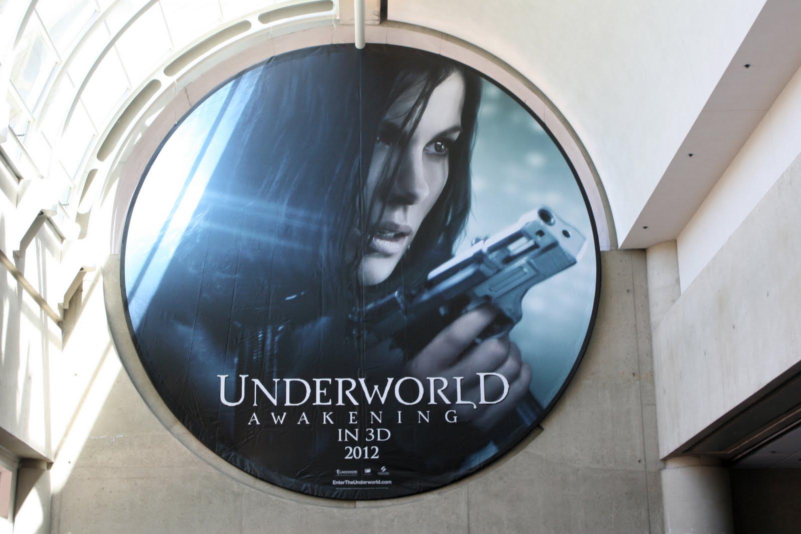 http://4.bp.blogspot.com/-Xy0oFGI7CDE/TlUGXcd178I/AAAAAAAACug/-JV2huHuC10/s1600/Underworld4_Awekining_HD_Poster_www.vvallpaper.net.jpg