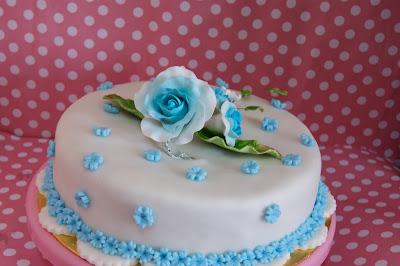 Kek Hantaran Fondan Promosi!!! Simple Deko, harga kek fondan guarantee termurah di pasaran!!!