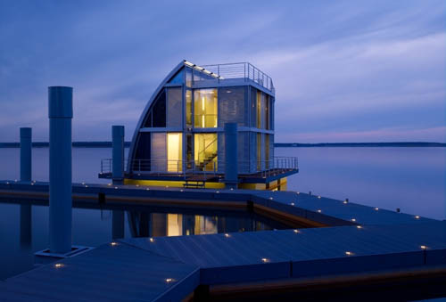 Unique Floating House by Steeltec37