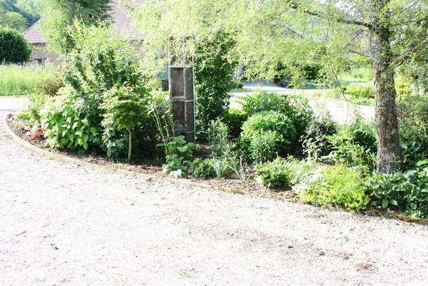 Mon massif edf le blog de mon doubs jardin - Poteau electrique dans mon jardin ...