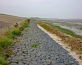 Foto omslag Innovatieve dijken als strategie voor een veilig en aantrekkelijk Waddengebied. De foto op de omslag is gemaakt door Jantsje M. van Loon-Steensma