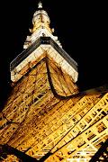 東京スカイツリーに話題は奪われていますが、美しさでは東京タワーが一枚上手で . (hiro)