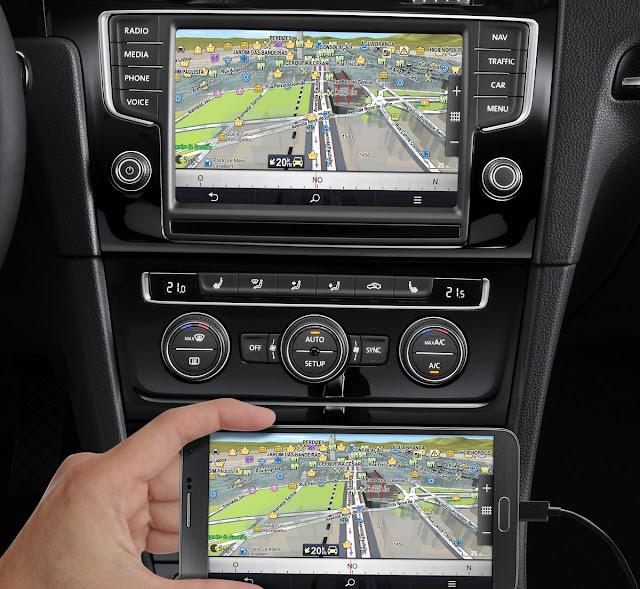 VW Golf Variant 2016 - novo sistema multimídia