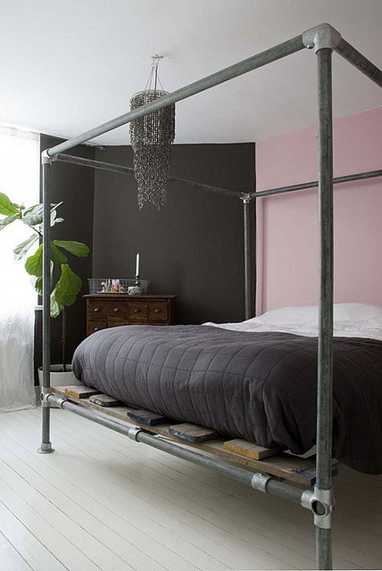 Awesome pics industrial canopy pipe bed frame made with black pipe and kee klamp pipe fittings - Awesome canopy beds ...