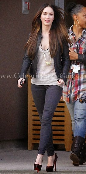 http://www.celebritystyleguide.com/i-1-1-12203/celebrities/megan-fox/siwy-rose-skinny-in-blacksand