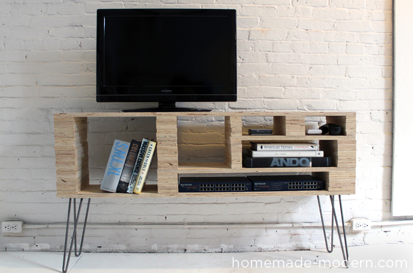 diy fabriquer un meuble tv initiales gg. Black Bedroom Furniture Sets. Home Design Ideas