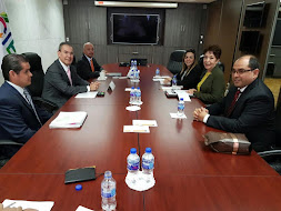 Autoridades de la SEV se reúnen con el director general del INIFED