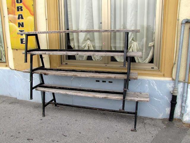 Stacked benches, viale Italia, Livorno