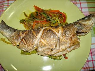 Pescado lubina soja verduras