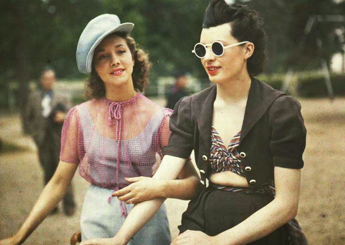 Rare Color Photos of Parisian Women From Between the 1930s ...