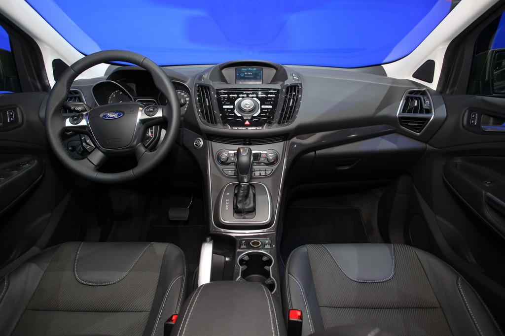 Ford introduces the new kuga 2013 at geneva motor show for Interior ford kuga
