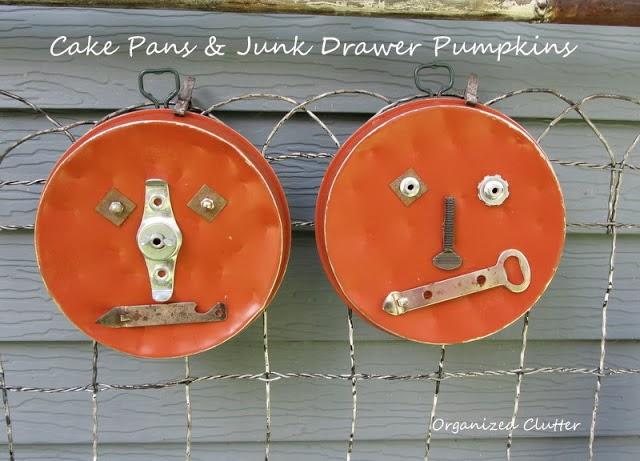 Cake Pan Pumpkins www.organizedclutterqueen.blogspot.com