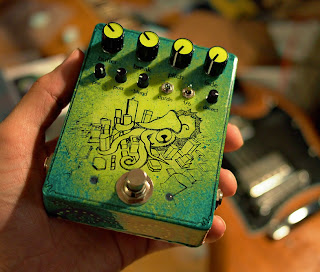 pedal de guitarra com PIC32