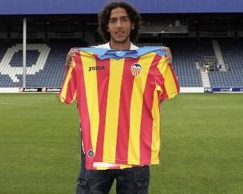 El futbolista de Coslada ya está en la capital del Turia