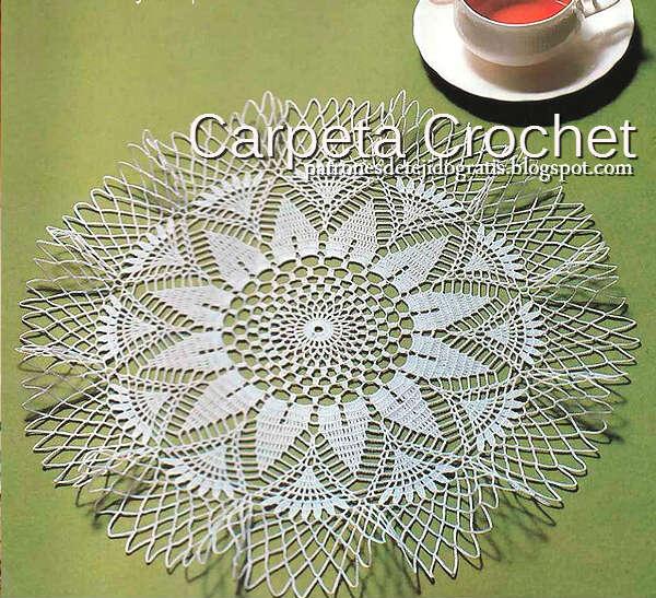 Carpeta crochet con delicado diseño redondo con patrones
