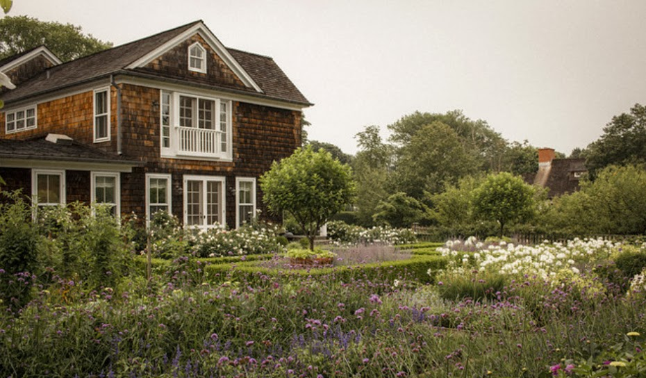 Kiki Nakita Take A Tour Of Ina Garten 39 S East Hampton Garden