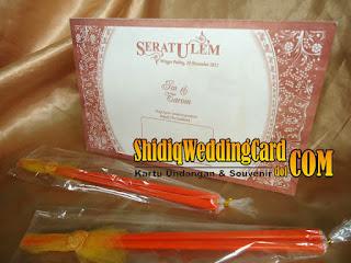 http://www.shidiqweddingcard.com/2016/01/paket-undangan-dan-souvenir-4.html