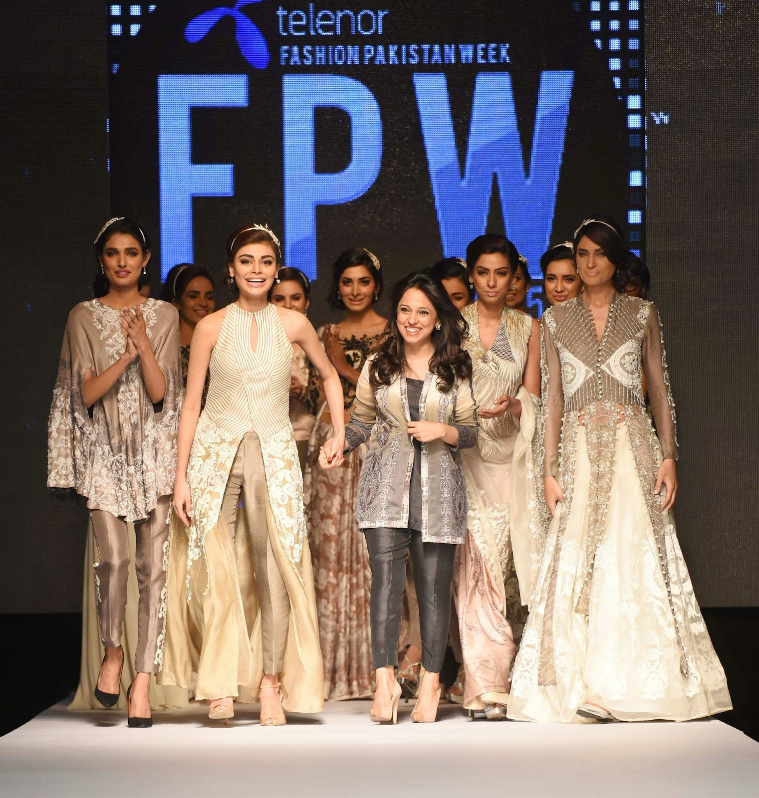 Nida Azwer with models TFPW15 Day 1