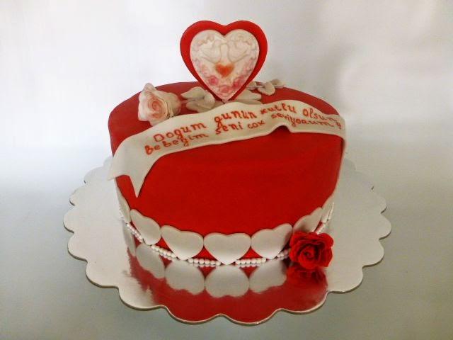 Cakesophia Red White Cake