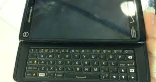 Motorola Again Presented QWERTY Keyboard in the Droid 5